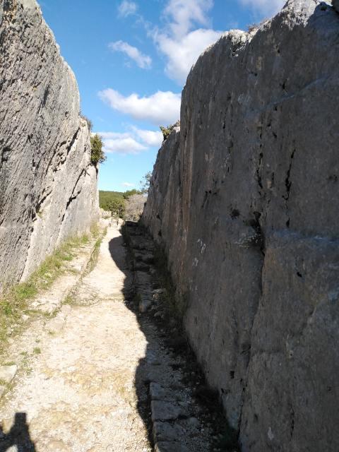 Randonnée Fontvieille